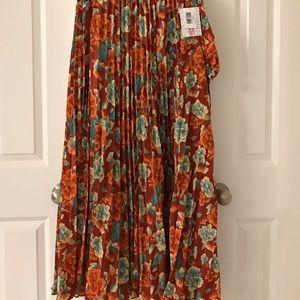 NWT Lularoe Deanne wrap skirt